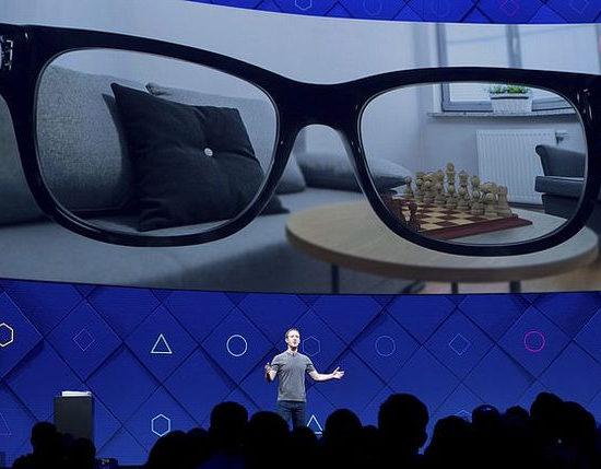 Facebook и Ray-Ban работают над созданием умных очков