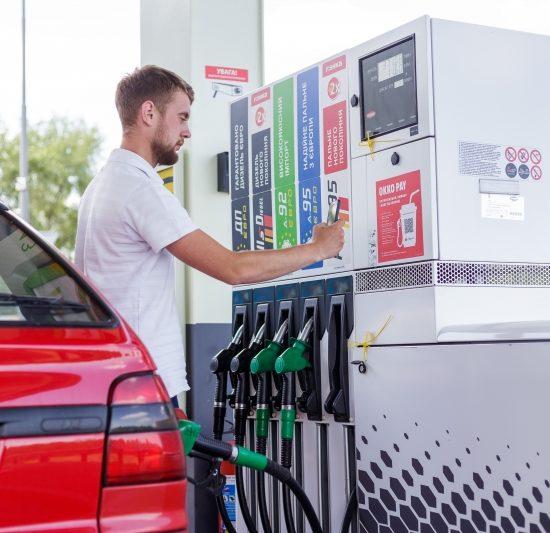 Товары из магазина и кафе в сервисе OKKO PAY: оплачивай возле колонки, получай в авто